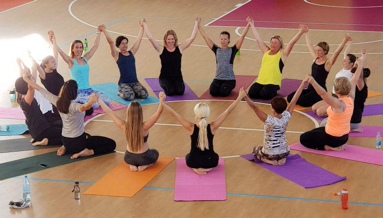 Ноги к голове йога